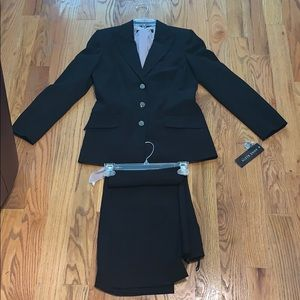 New Anne Klein Black Tailored Suit w/Scarf 6P $320